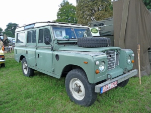 land-rover-good_old_land_rover_by_mechanicman