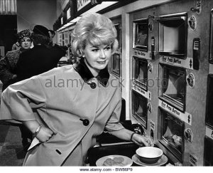 doris-day-that-touch-of-mink-1962-bw86p9