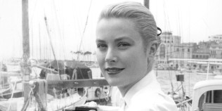 American actress Grace Kelly during the Cannes Film Festival, 6th May 1955. (Photo by RDA/Hulton Archive/Getty Images)