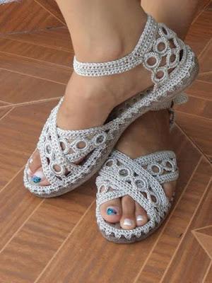 crocheted shoe 2