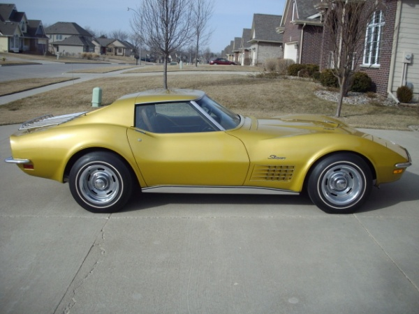 1971-corvette-survivor-side.jpg