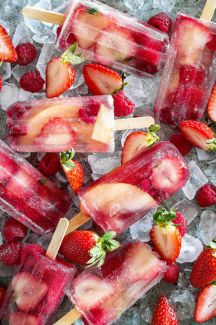 1467127132-champagne-popsicles-bakers-royale15_0