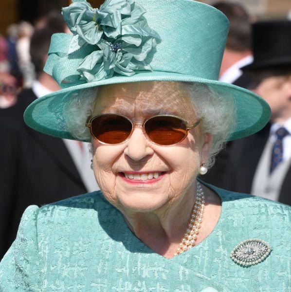 queen-elizabeth-1528490716