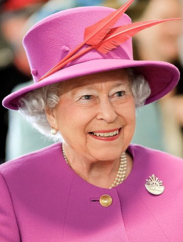 800px-Queen_Elizabeth_II_in_March_2015
